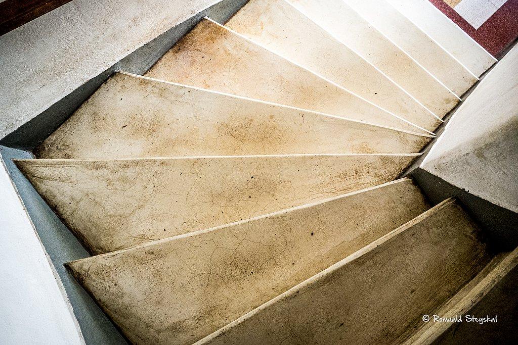 Le viel escalier