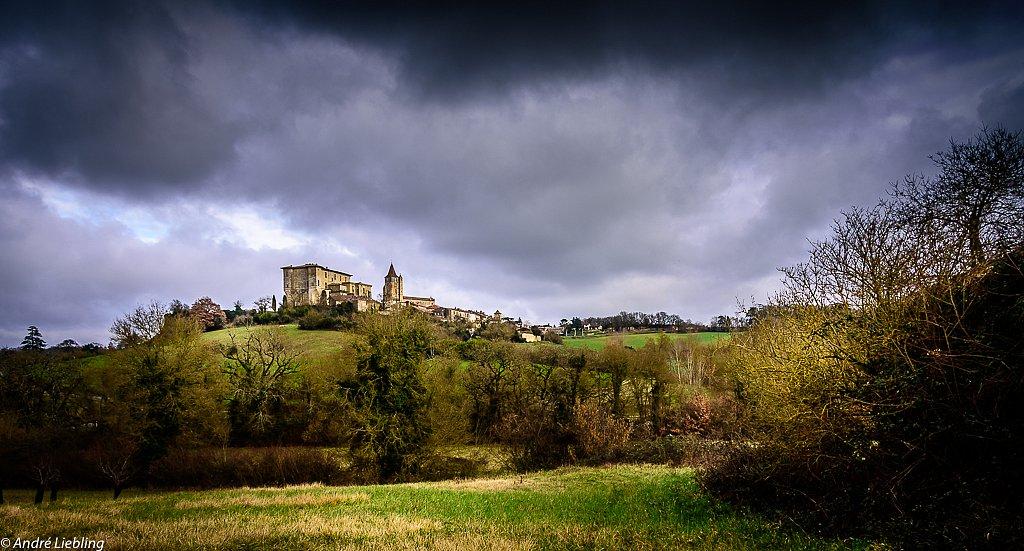 Le château de Lavardens, Gers, France.