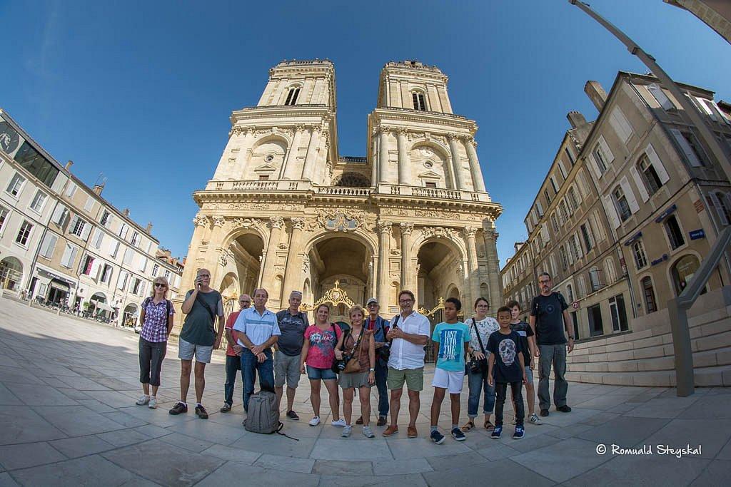 sortie-cathedrale.jpg